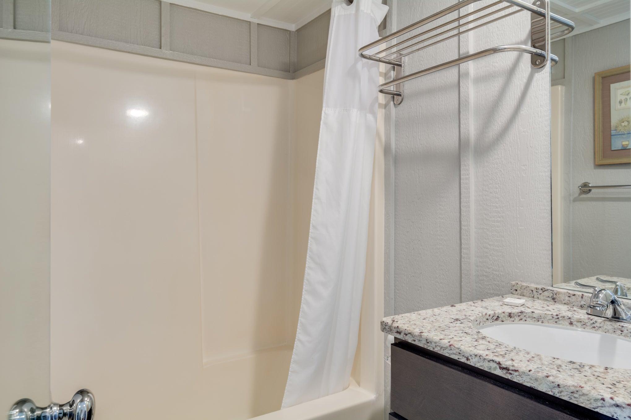 TH16: The Flounder- Bathroom