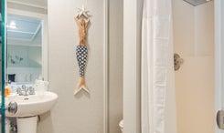 TH08:  The White Marlin Room | Bath