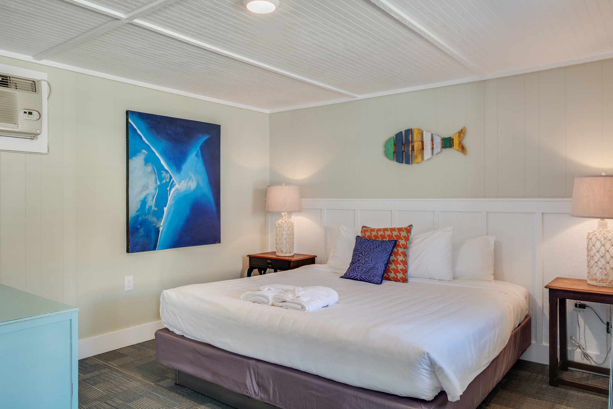 TH06: The Yellowfin Room